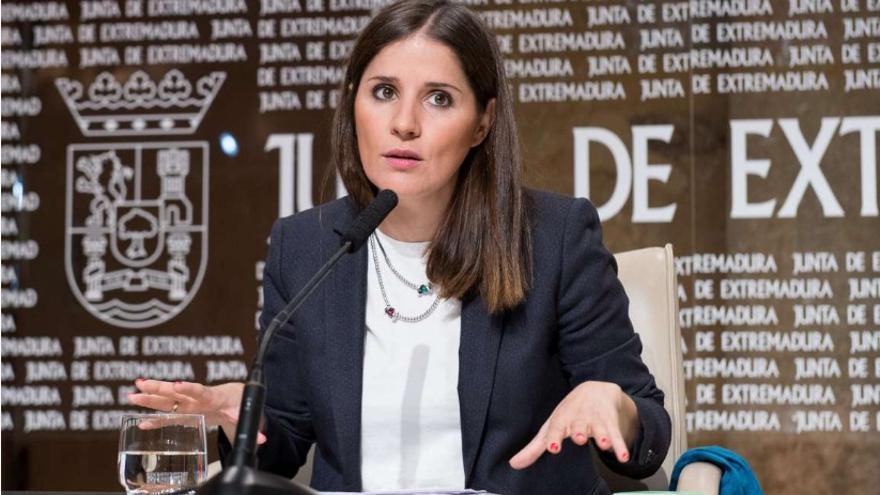 La consejera de Igualdad y portavoz de la Junta de Extremadura, Isabel Gil Rosiña, en rueda de prensa