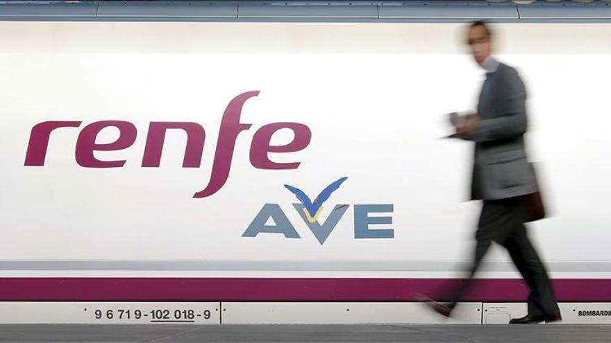 Renfe identificará a partir de mañana a los viajeros que compren por internet