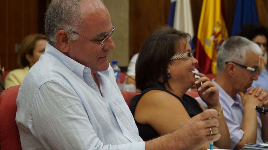 Carlos Cabrera en una sesión plenaria del Cabildo.