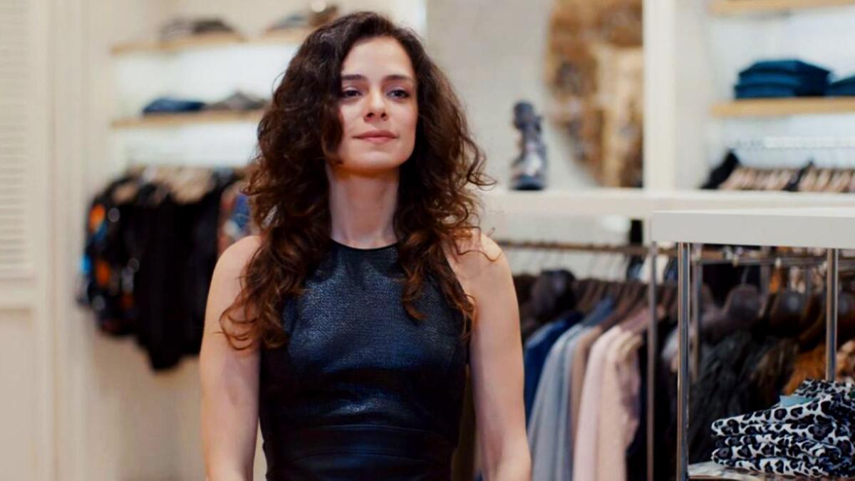 La actriz Özge Özpirinççi en 'Amor a segunda vista'