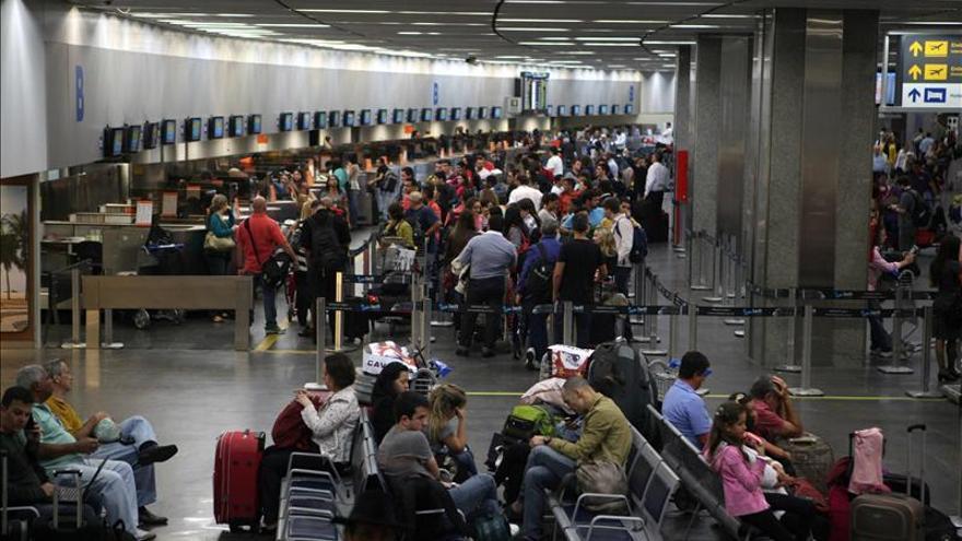 Brasil subasta concesiones para operar dos de sus mayores aeropuertos