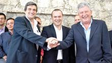 El socialista Augusto Hidalgo, el concejal electo de LPGC Puede Javier Doreste  y el concejal electo por NC Pedro Quevedo