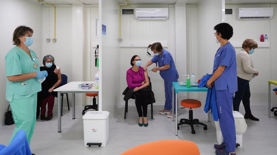 Portugal espera haber vacunado a su población más vulnerable a mitad de abril