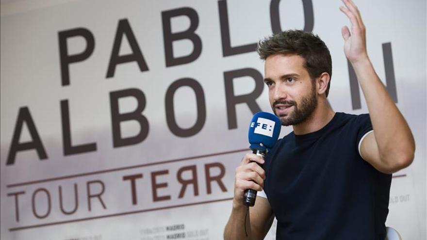 """Pablo Alborán dice que su público no le limita, """"hago la música que necesito hacer"""""""