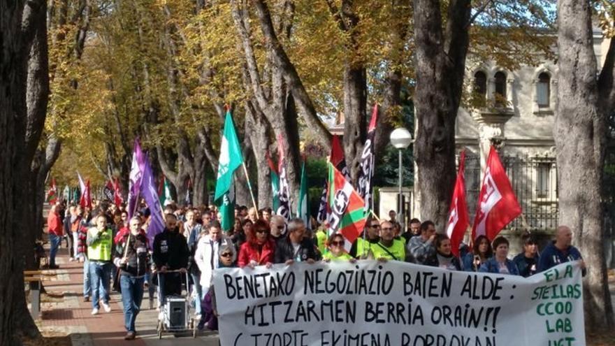 Manifestación de profesores de centros concertados, en Vitoria. Foto: ELA