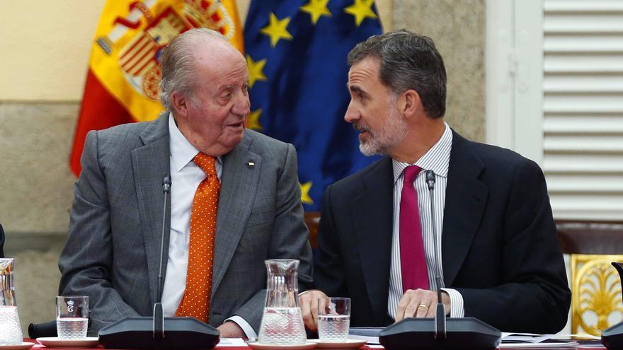 El rey Felipe VI y el rey emérito Juan Carlos I. EFE/Paco Campos/Archivo