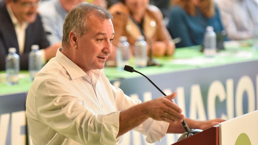 Luis Campos, portavoz de Nueva Canarias en el Parlamento autonómico.