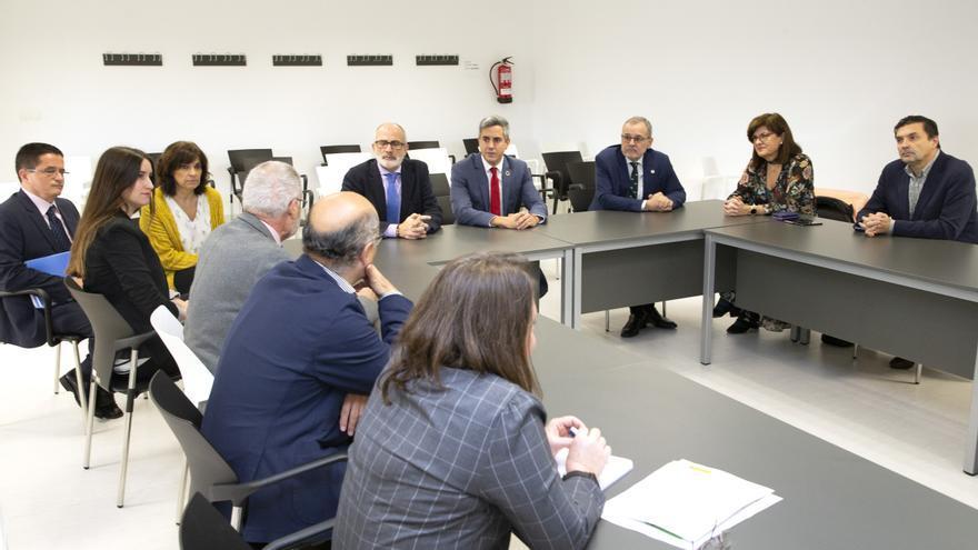 Reunión con los auditores del Instituto Carlos III por la renovación de la acreditación del IDIVAL. | NACHO ROMERO