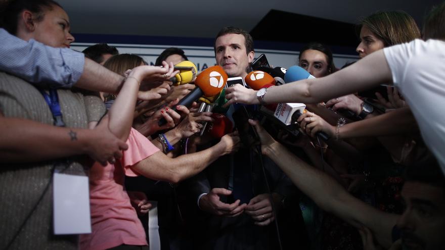 """Casado ve """"inaceptables"""" las palabras de Zapatero sobre Cataluña y pregunta a Sánchez si las comparte"""