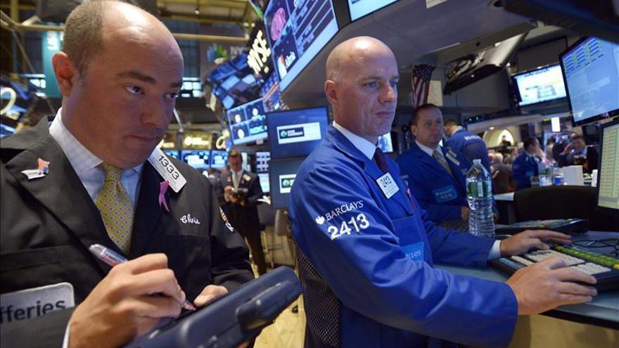 Wall Street abre con pérdidas y el Dow Jones baja un 0,14 por ciento