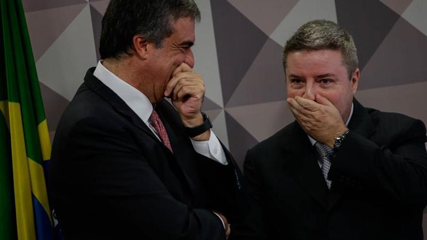 """Rousseff quema los últimos cartuchos de su defensa e insiste en el """"golpe"""""""