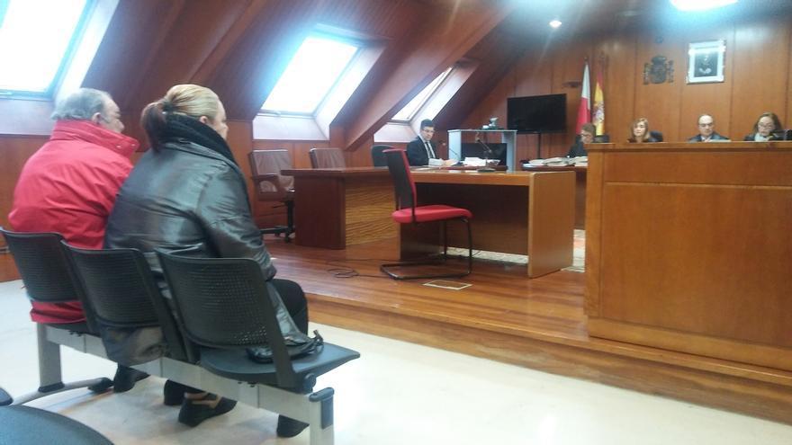 Un año y nueve meses al electricista castreño y a su esposa por estafar 300.000 euros al Ayuntamiento