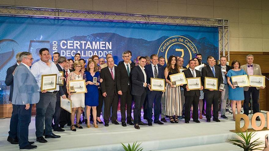 Representantes de las bodegas galardonadas en el XXV Certamen de Calidad