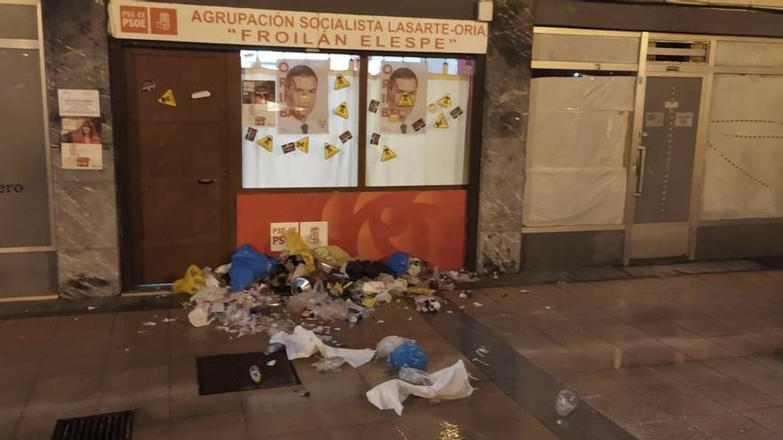 El PSE de Lasarte-Oria (Gipuzkoa) condena el ataque a su Casa del Pueblo durante una manifestación a favor de un etarra
