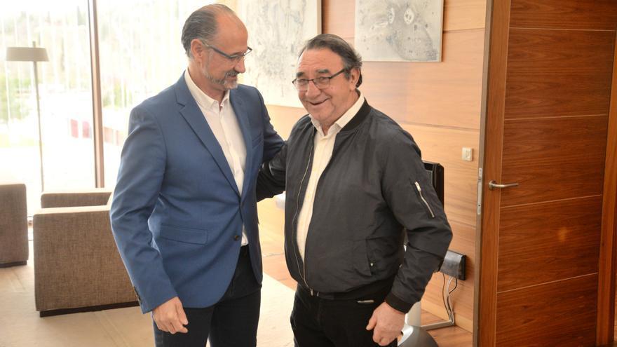 El presidente de las Cortes, Luis Fuentes, y el alcalde de Villalar, Luis Alonso.