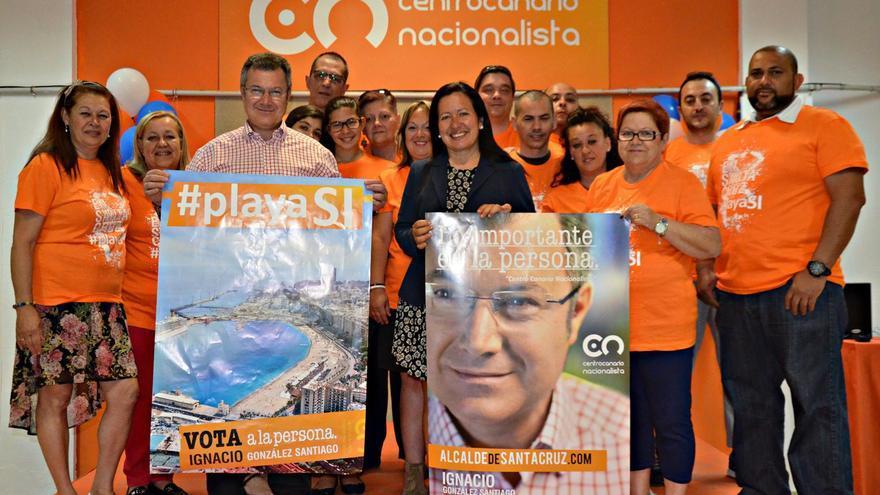 Ignacio González y Hortensia Navarro en el acto de inicio de campaña.