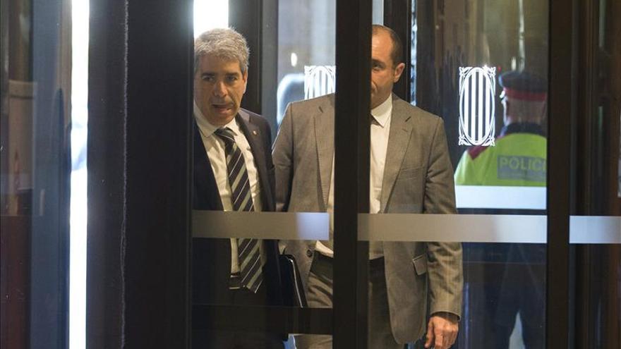 Cospedal acusa a Susana Díaz de pactar con cualquiera para mantener el poder