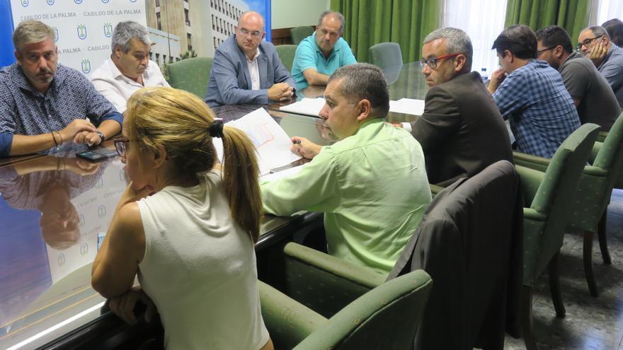 Reunión de representantes del Cabildo y del Ayuntamiento de Santa Cruz de La Palma sobre el Fdcan.