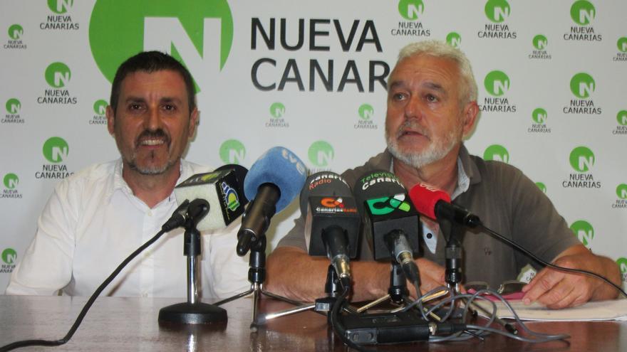 Martín Taño (i) y Argelio Hernández, este lunes en rueda de prensa. Foto: LUZ RODRÍGUEZ
