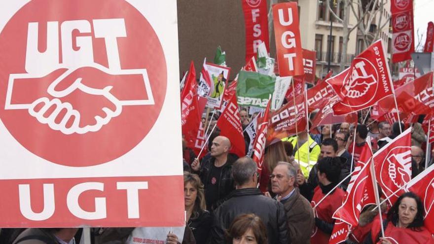 UGT gana la primera sentencia en España sobre la paga extra