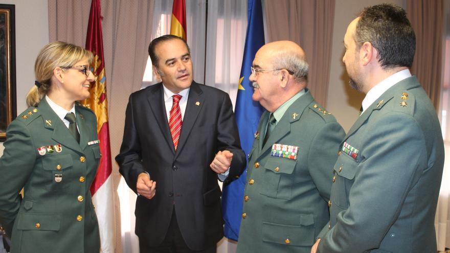Cristina Moreno, primera teniente coronel de la Guardia Civil, junto a José Julián Gregorio