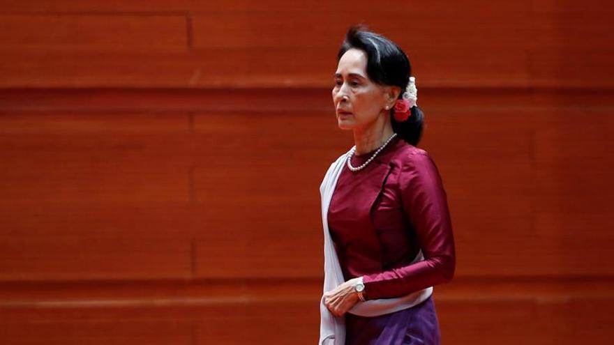Suu Kyi da garantías para que los rohinyás puedan regresar a Birmania