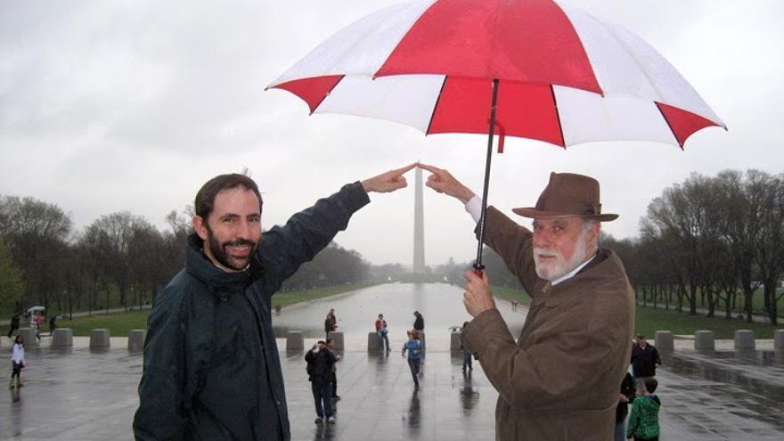 Andreu Veà y Vint Cerf en el Monumento a Lincoln de Washington (Estados Unidos) (Foto: Andreu Veà)