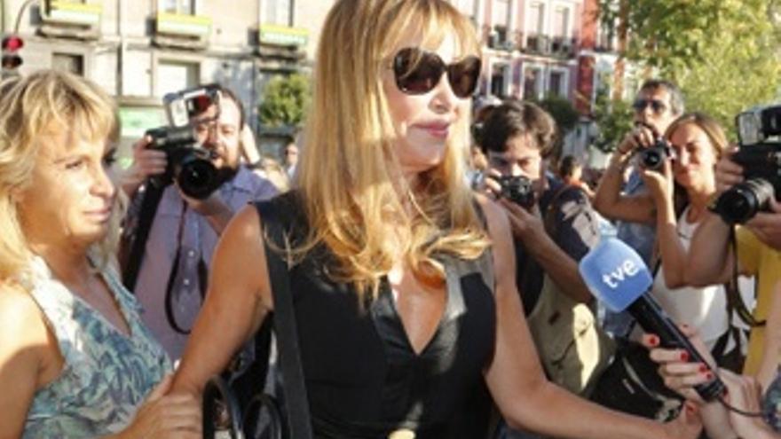 Ana Obregón, muy emocionada, se despide de Lina Morgan
