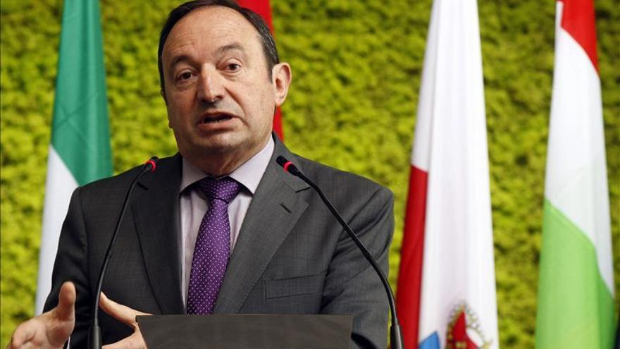 La Rioja propone reducir su Parlamento y limitar el mandato de su presidente