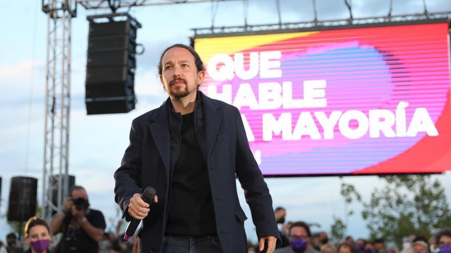 El candidato de Unidas Podemos a la presidencia de la Comunidad de Madrid y secretario general de Podemos, Pablo Iglesias interviene durante el acto de cierre de campaña en Vicálvaro