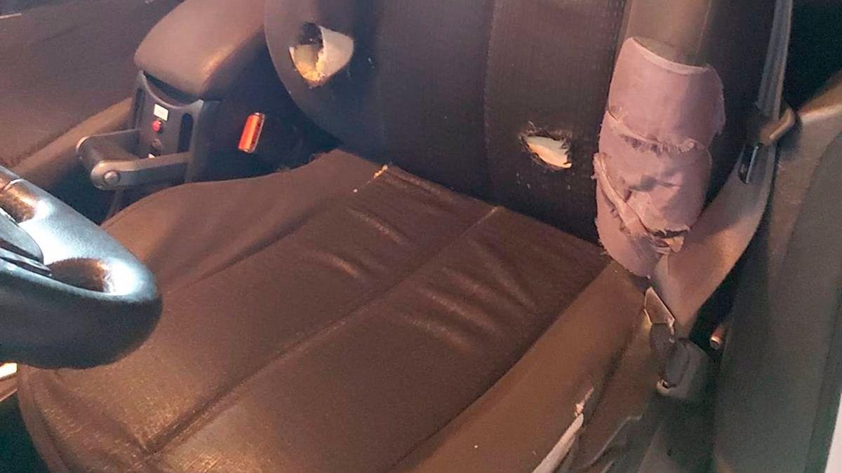 Estado de un vehículo de la Guardia Civil.