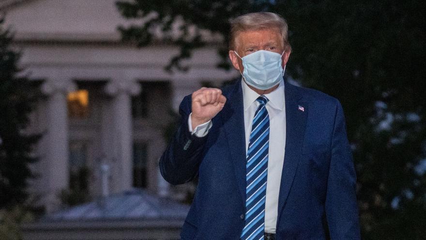 Trump, mejorado de COVID-19, amaga con volver a campaña en mitin radiofónico