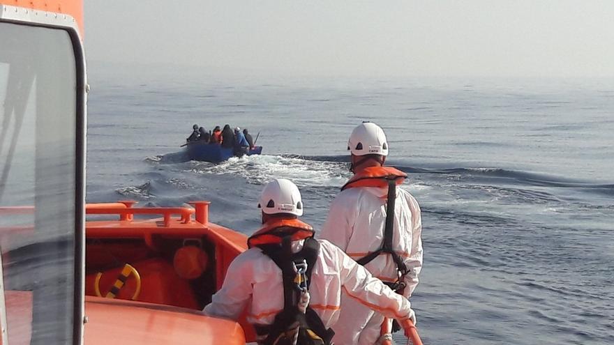 Rescatan una patera en La Línea con seis inmigrantes a bordo