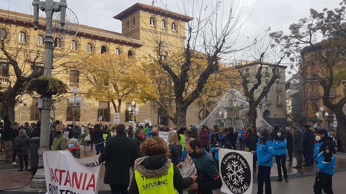 Manifestación del sector de la nieve el 23 de diciembre en Huesca
