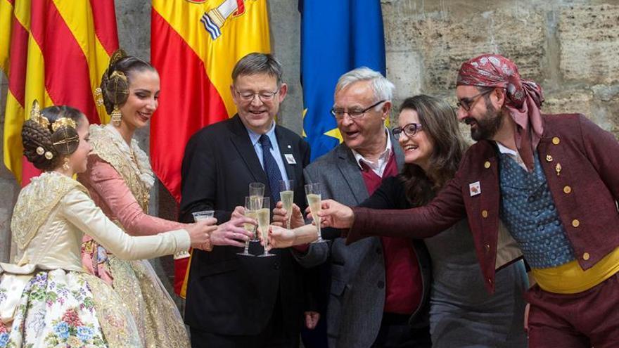 La lluvia impide a las Fallas festejar el reconocimiento de la Unesco