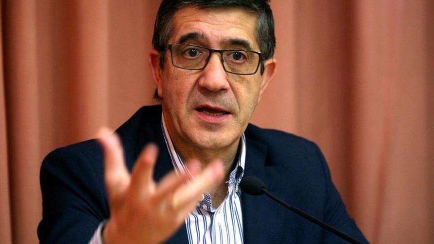"Patxi López alerta que un referéndum ilegal puede ""fracturar"" a Cataluña"