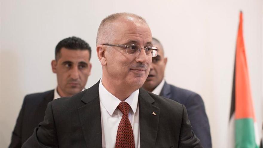 El primer ministro palestino pide la libertad para un preso en huelga de hambre
