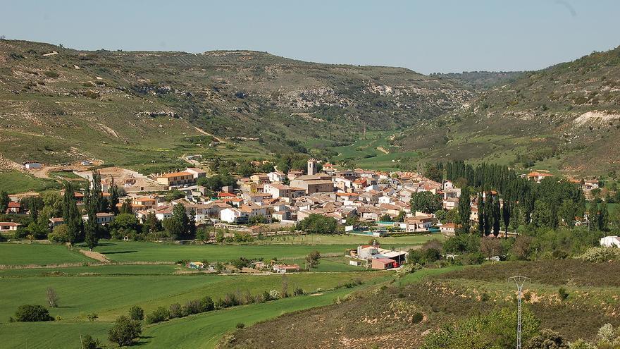 Vista del valle sobre el que se asienta la localidad de Lupiana, en pleno paraje del río Ungría