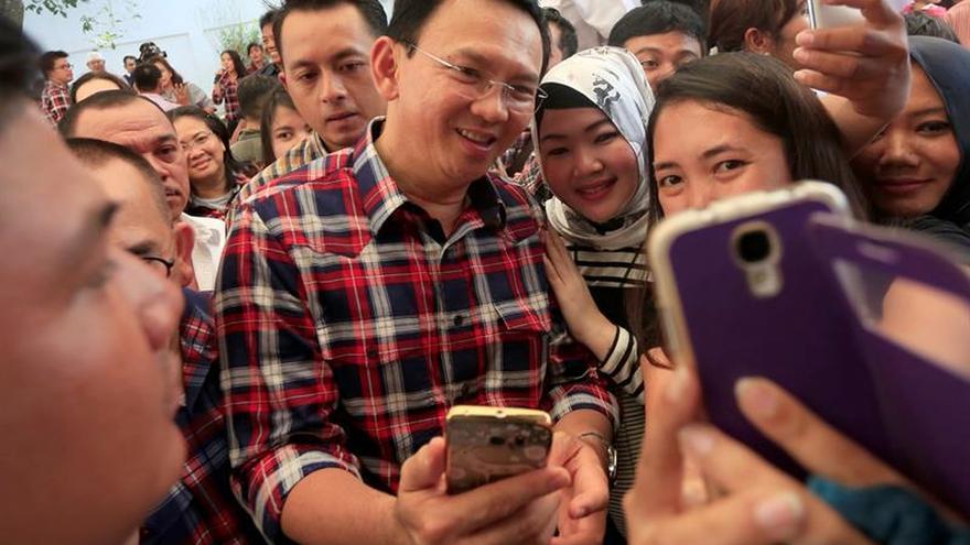 Fiscalía indonesia ve base para imputar a gobernador de Yakarta por blasfemia