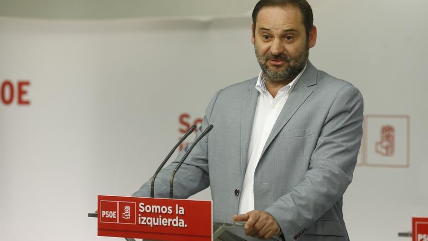 """Ábalos (PSOE) exige a Page que someta el acuerdo con Podemos a la militancia: """"Los Estatutos son claros al respecto"""""""