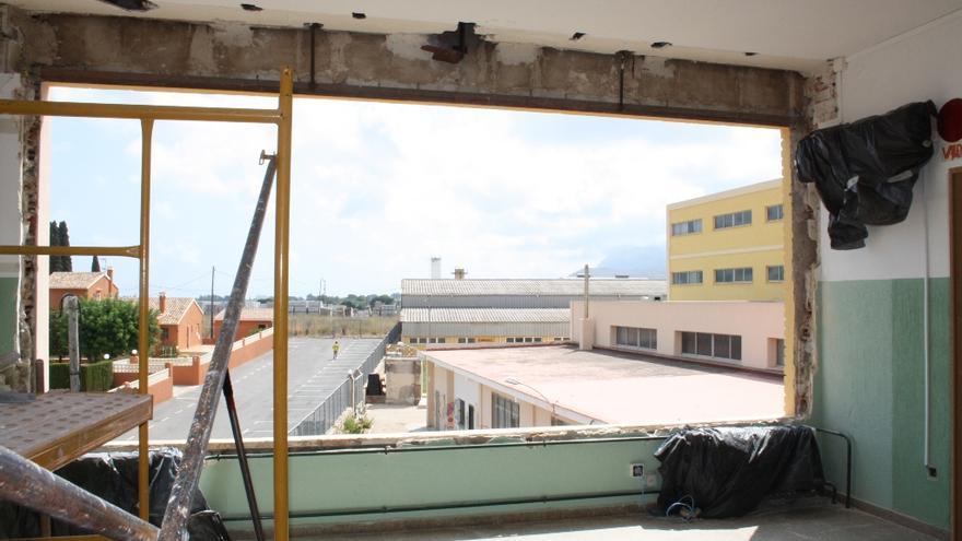 Els IES Xebic de Ondara durante unas reformas en 2014