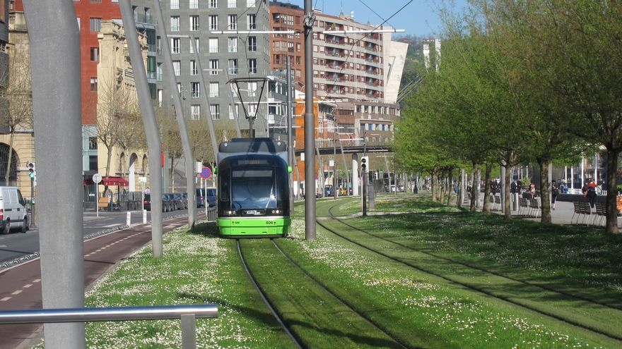 Euskotren restablecerá este lunes el horario de invierno en los tranvías de Bilbao y Vitoria