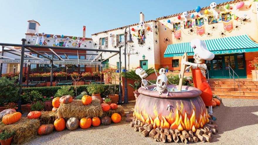 Todo el recinto de PortAventura luce sus galas más terroríficas en Halloween.