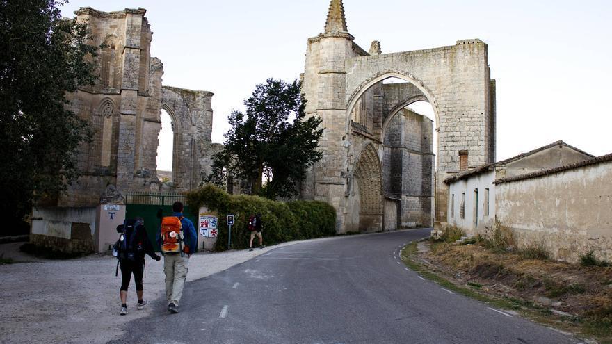Ruinas del antiguo convento y hospital de San Antón, en Castrojeriz. VIAJAR AHORA
