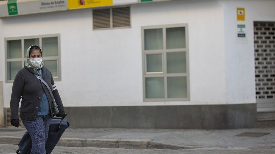 El paro en Andalucía sube en 32.964 personas en abril hasta los 978.297 desempleados por el Covid-19