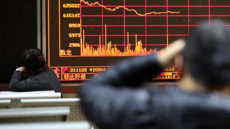 La Bolsa de Shanghái abre con leves descensos del 0,36 %