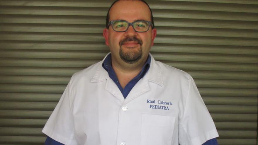 El pediatra Raúl Cabrera estudia la repercusión de los pesticidas en la salud de los niños. Foto: LUZ RODRÍGUEZ.