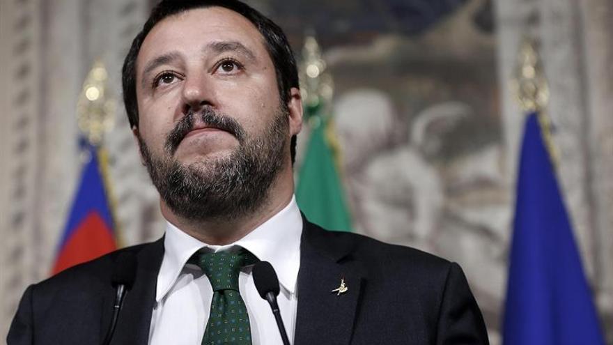 """Salvini rechaza elegir a un ministro de Economía """"que vaya bien"""" a Alemania"""