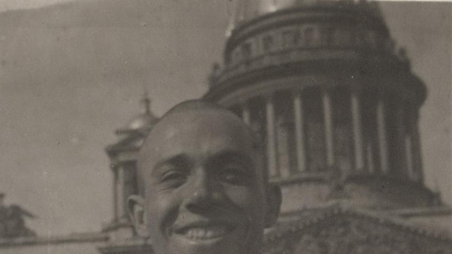 Miguel Hernández en San Petesburgo, 1937