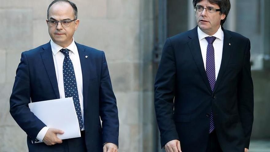 """El Govern no se """"rendirá"""" e insta a Rajoy a elegir entre diálogo o """"represión"""""""